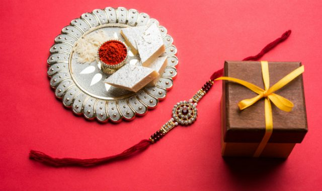 6 Stylish Gifts Can Be Given To Your Sister On This Rakhi